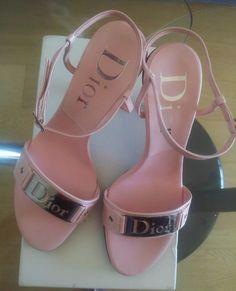 Cc Shoes, Fancy Shoes, Me Too Shoes, Shoes Heels, High Heel Sneakers, Sneaker Heels, High Heels, Fashion Shoes, High Fashion
