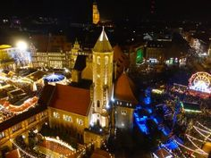 Top 10 Weihnachtsmarkt in Niedersachsen. Top 10 Weihnachtsmärkte in Niedersachsen. King Design, Empire State Building, Times Square, Cathedral, Hotels, Winter, Fun, Wellness, Travel
