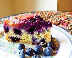 Nectarine and Blueberry Upside Down Cake. Nectarine and Blueberry Upside Down Cake Recipes This pretty Nectarine and Blueberry Upside Down Cake is super moist, tender, and delicious. Perfect for tea t. Blueberry Upside Down Cake, Blueberry Cake, Baking Recipes, Cake Recipes, Fruit Recipes, Great Desserts, Let Them Eat Cake, Cupcake Cakes, Cupcakes