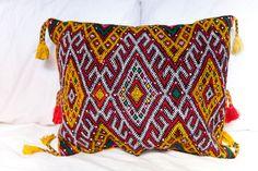 KILIM PILLOW | MOROCCAN Kilim Pillow | Vintage Kilim Cushion | 19x15 in by MoroccanMaison on Etsy