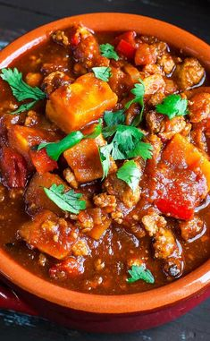 Smoky Chipotle Turkey and Sweet Potato Chili; this uber easy and crazy flavorful chili recipe has both Instant Pot and stove top instructions! This chili is packed with the perfect protein to veggie ratio with a kick of chipotle for good measure! This tasty turkey chili is deliciously smoky and a teeny bit spicy with layer of savory sweetness in every bite from the red bell peppers and sweet potatoes. Easy Dinner Recipes, Easy Meals, Weeknight Meals, Easy Recipes, Flavorful Chili Recipe, Good Housekeeping Cookbook, Whole 30 Recipes, Free Recipes, Chili Ingredients