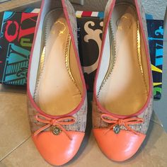 C Wonder tassel cork ballet flats Tasseled cork ballet flats worn only several times they are in good shape they are size 8 1/2 and perfect for a very wide foot not for a narrow foot. The upper is cork and man-made sole. Made in China. C wonder Shoes Flats & Loafers