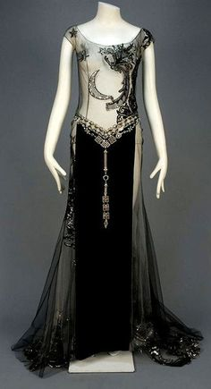 "late or early Art Deco Gown. Most likely a ""dancers"" outfit. 1930s Fashion, Moda Fashion, Art Deco Fashion, Vintage Fashion, Edwardian Fashion, Fashion Gallery, Gothic Fashion, Trendy Fashion, Womens Fashion"