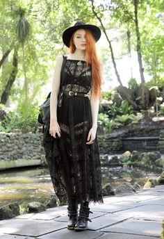 dark-mori:catsdressinblack:Olivia Emily  Witch queen