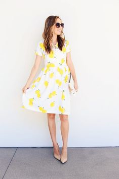 Merrick's Art // Style + Sewing for the Everyday GirlDIY FRIDAY: LEMON PRINT FIT AND FLARE DRESS SEWING TUTORIAL | Merrick's Art