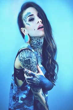 Monami Frost, More in me other panel :) Hot Tattoos, Body Art Tattoos, Girl Tattoos, Sleeve Tattoos, Tattoos For Women, Flower Tattoos, Arabic Tattoos, Tattoed Women, Tattoed Girls