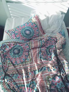 home accessory bedding boho chic aztec colorful home decor mandala beach house blanket 'boho bedding comforter paisley blanket patterned blanket bedroom bed cover paisley boho bed covers pajamas boho bedding bedding duvet cute bohemian colorfu tumblr bedroom bohostyle urban outfitters girly