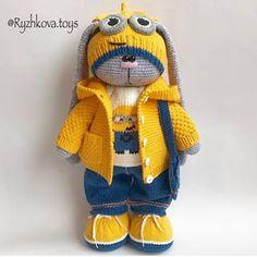 No photo description available. Crochet Bunny Pattern, Crochet Rabbit, Crochet Toys Patterns, Amigurumi Patterns, Stuffed Toys Patterns, Amigurumi Doll, Crochet Dolls, Knitted Bunnies, Knitted Teddy Bear