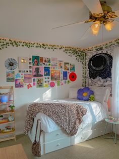 Indie Room Decor, Cute Bedroom Decor, Room Design Bedroom, Aesthetic Room Decor, Room Ideas Bedroom, Aesthetic Bedrooms, Hippie Bedroom Decor, Hipster Room Decor, Study Room Decor