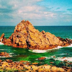 Australian blue waves at Sugarloaf Rock in Naturaliste, Western Australia  #Lucal #LucalHQ #whereintheworld #travel #travelgram #instatravel #wanderlust #traveladdict #guesswhere #sea #sunset #vsco #instagood #tbt #picoftheday #ocean #sky #paradise #beautiful #blue #australia #cliff #outdoors #blues #waves #naturalbeauty #perfect #vibes #relax #weekend  Source: aussiejeff on Flickr *Edited by Lucal*