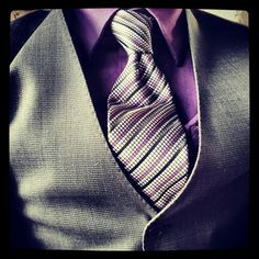 #purple is @iamlfb's favourite colour, especially on #necktiefriday. #canadianorthography #outandabout pic.twitter.com/WBGgph3Zbc