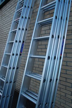 Our Triple Section Aluminium #ladders are designed to withstand heavy use by #tradesmen