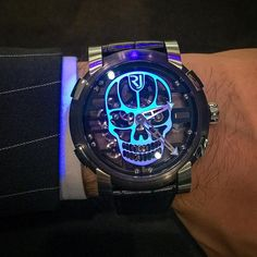 Beware of the shinny skull! An exclusive design available at in July for the event Gents Watches, Fine Watches, Cool Watches, Unique Watches, Cheap Watches For Men, Luxury Watches For Men, Men's Accessories, Romain Jerome, Skull Fashion