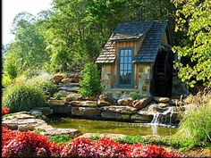 little cottage . would love to have this in my backyard. there's a perfect spot for dreaming ! Little Cottages, Small Cottages, Cabins And Cottages, Little Houses, Tiny Houses, Dog Houses, Cottage Living, Cozy Cottage, Cottage Homes