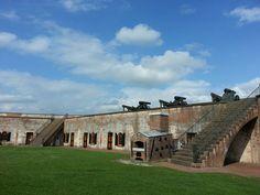 Fort Macon North Carolina North Carolina Beaches, Living In North Carolina, North Carolina Homes, American Civil War, American History, Fun Places To Go, Old Fort, Travel Activities, Forts