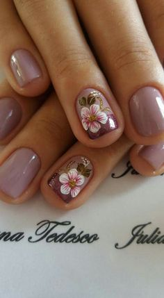 39 Hottest Beautiful Flower Nail Art You Can Copy Now Ombre Nail Designs, Nail Art Designs, Nails Design, Design Design, Gorgeous Nails, Pretty Nails, Gel Nagel Design, Flower Nail Art, Art Flowers