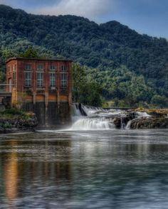 Kanawha Falls, Glen Ferris, West Virginia. #wv http://waybrightphotography.com/wv-wedding-photographers/