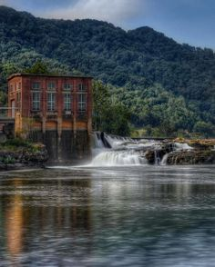 Kanawha Falls, Glen Ferris, West Virginia. #wv http://waybrightphotography.com/wv-wedding-photographers/
