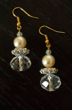 pearl-and-crystal-gold-dangle-earrings