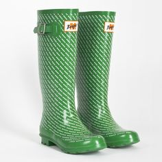Limited Edition: M-Budget Gummistiefel Singing In The Rain, Hunter Boots, Rubber Rain Boots, Walking, Budget, Green Garden, Beautiful Body, Switzerland, Body Art