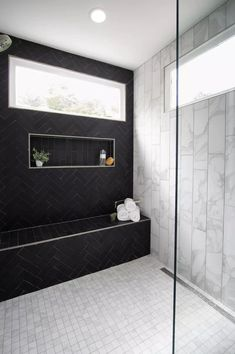 Nontraditional subway tiles in different colors, finishes, sizes, and textures will be a big 2021 bathroom design trend. Modern Bathroom Design, Bathroom Renovation, Contemporary Bathrooms, Bathroom Trends, Traditional Shower Curtains, Shower Faucet Sets, Clean Bathroom Floor, Bathroom Design Trends, Contemporary Bathroom