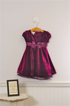 Size 3t Girls formal dress by Bonnie Jean.$29.99