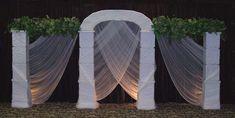 Again - A very simple and elegant wedding arch design. Winter Wedding Centerpieces, Diy Centerpieces, Wedding Table, Wedding Ceremony, Ceremony Backdrop, Ceremony Decorations, Wedding Backdrops, Table Decorations, Indoor Wedding Arches