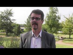 Helsingin yliopiston professori Kurt Fagerstedt kertoo miten kasvit valmistautuvat talveen. Mistä lehtien keltainen väri tulee? Miksi jotkut lehdistä muuttuvat syksyllä punaisiksi tai oransseiksi? (video 3:33)