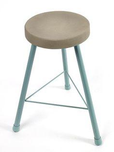Serax kruk met betonnen zitting, blauwgroen