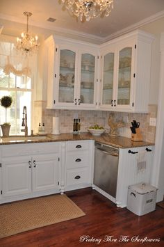Paint Bulkhead The Same Color As Kitchen Cabinets And