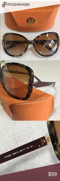 Tory Burch sunglasses Beautiful tortoise shell Tory Burch Sunglasses. Small surface scratch not visible to the eye on left lens. Great gift for the holidays! Does not include microfiber pouch. Does include case. Tory Burch Accessories Sunglasses