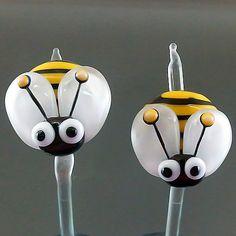 PIKALDA=handmade lampwork 2 glass beads pair earring animal bug=BEE=SRA