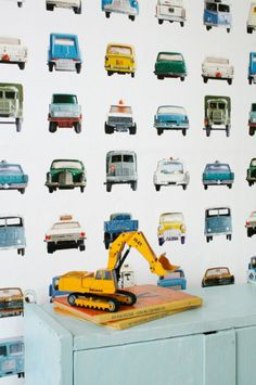 Studio Ditte Cars wallpaper Kinderkamer / jongens kamer met auto behang / Kidsroom / boysroom with kidsdecor