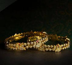 Looking for wedding earrings designs? Here are our picks of 21 best wedding earrings designs and where you can shop them online! Plain Gold Bangles, Gold Bangles Design, Gold Jewellery Design, Indian Jewelry Sets, Silver Jewellery Indian, Temple Jewellery, Indian Gold Bangles, India Jewelry, Bridal Jewellery