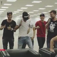 Neymar trying out PES 2016, part 7 Celebration dance
