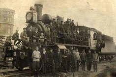 Паровоз стал символом революции. Фото из архива историка Сергея Егорова