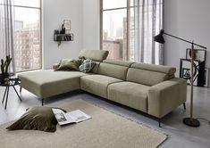 Freuen Sie sich auf ein völlig neues Komfort-Erlebnis – mit dem Sofa Flamatt. Denn das Sofa bietet gleich mehrere Highlights, die das Zurücklehnen zu einem wahren Genuss werden lassen. Die Sitzfläche ist mit einer Unterfederung mit dauerelastischen Stahl-Wellenfedern ausgestattet während beim Rücken hochwertiger, ergonomisch geformter PUR-Schaumstoff verwendet wurde. Sofas, Unique Weddings, Modern, Couch, Furniture, Home Decor, Komfort, Highlights, Products