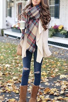 Women's Fashion Tips NYC Blanket Scarf Altitude Boutique.Women's Fashion Tips NYC Blanket Scarf Altitude Boutique Winter Mode Outfits, Cute Fall Outfits, Winter Fashion Outfits, Look Fashion, Womens Fashion, Outfit Winter, Fashion Check, Women Fall Outfits, Winter Boots