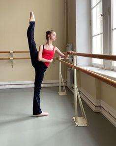 Sofya Khoreva in Zidans red leotard. Ballet Class, Ballet Dancers, Red Leotard, Ballet Clothes, Dance Wear, Leotards, Gym Workouts, Gymnastics, Sportswear
