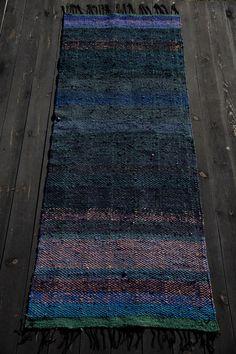 "Rug ""Dark Modest Workaholic"" - Terra Mama Textile Artists, Hand Weaving, Rugs, Dark, Farmhouse Rugs, Hand Knitting, Rug, Weaving"