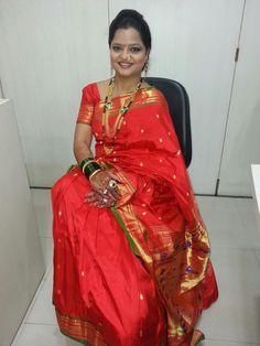 Marathi Bride, Marathi Wedding, Real Beauty, Beauty Women, Nauvari Saree, India Beauty, Aunt, Desi, Sarees