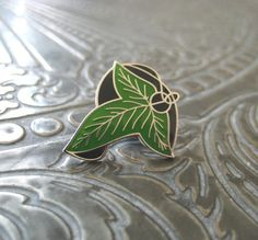 A Lord Of The Rings pin for your greatest adventure.   21 Geeky Pins To Show Off Your Favorite Fandom
