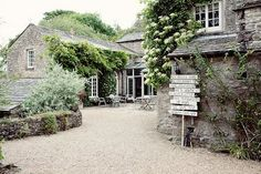Color concept inspiration: Hard-working British barn fresh cool garden space timeless clean green and gray growing