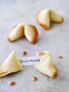 WE ♥ THIS!  ----------------------------- Original Pin Caption: Gelukskoekjes