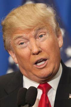 ・・アメリカ有力紙ワシントン・ポストは2月25日付で、大統領選共和党指名争いをリードする実業家ドナルド・トランプ氏について「大統領としての資質に欠ける」と痛烈に批判し、党の指導者らに対し行動を起こすように強く要求する異例の社説を掲載した。  社説は、同紙は「思いもよらなかったことが不可避になりつつある」との書き出しで、トランプ氏が序盤の予備選・党員集会で勝利していることから「同氏が共和党の指名候補者になりそうだ」との見通しを示した。  トランプ氏が指名獲得することへの強い危機感を示し、選挙戦での一連の暴言を批判。序盤戦最大のヤマ場となるスーパーチューズデー(3月1日)を前に、指名阻止のため共和党は「やるべきことをすべてやる時だ」と主張した。