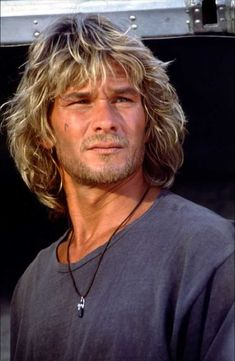 Patrick Swayze- Patrick Wayne Swayze was an American actor, dancer and singer-songwriter. Having gained fame with appearances in films during the Swayze became popular for playing tough guys and romantic lead .Death September Los Angeles, CA Richard Gere, Patrick Swayze Point Break, Patrick Swayze Movies, Long Hair Cuts, Long Hair Styles, Guy Haircuts Long, Best Male Haircuts, Mens Longer Hairstyles, Relaxed Hairstyles