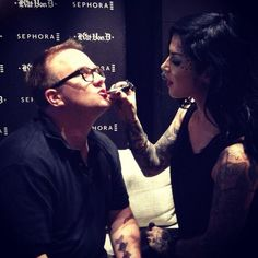Making friends… RT @jmoconfidential: Getting my makeup did by @thekatvond #sephora #sydney  [December 2nd, 2014]