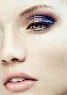 Un make up speciale per una serata speciale. Ricrealo con la collezione di Revlon => http://www.youglamour.it/revlon-collezione-make-up-autunno-inverno-2012/