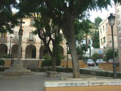 Google Image Result for http://www.iberohome.de/fotos/orte/altes-rathaus-von-denia.jpg