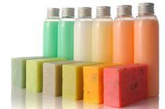 Productos de #Higiene #Corporal: #Jabón para el #Cuerpo. El jabón es el producto más barato y eficaz para una gran mayoría de personas.  Si tienes #piel #seca debes escoger un jabón con componentes #hidratantes. Si tienes piel #grasa o sudoración excesiva te sugiero seleccionar productos #antibacterianos que eviten el #olor corporal y la aparición de manchas en #hombros, #espalda y #pecho. Si tu piel es #sensible, debes escoger un jabón #hipoalergénico y sin #perfume. #belleza #salud